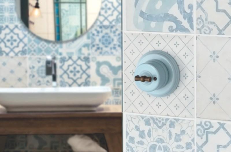Interruptor de porcelana con marco Fontini Garby