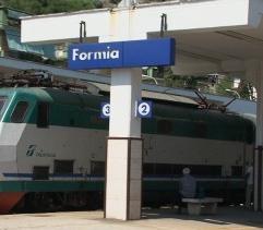 formia_binari_stazione_yhwsuf654