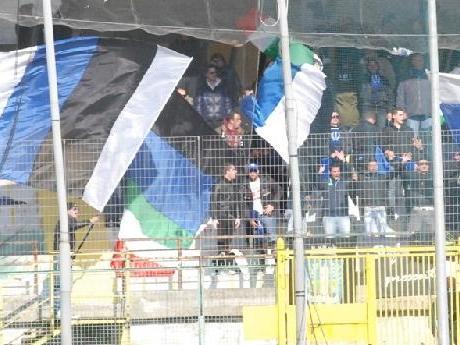 latina-calcio-tifoseria-876735rer5e34