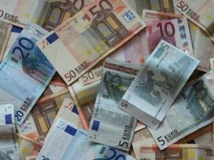 soldi-denaro-banconote-387681761