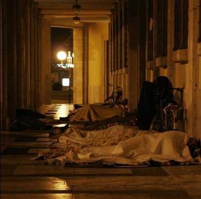 senzatetto-latina-comune-dormitorio-678243