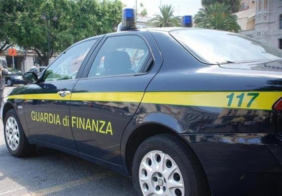 guardia_di_finanza_auto_latina24ore