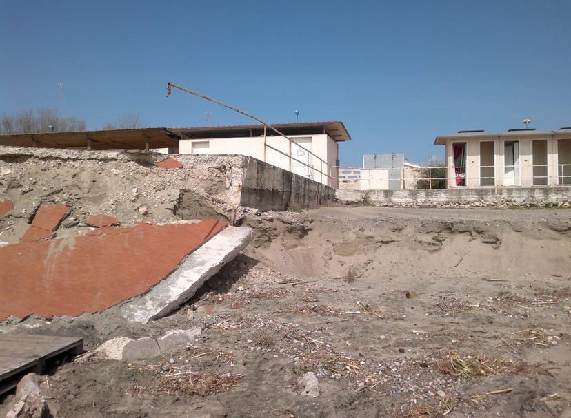 erosione-latina-mare-stabilimento-polizia-latina24ore-7868933