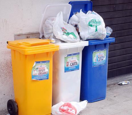 riciclo-rifiuti-riciclati-cassonetti-5769382