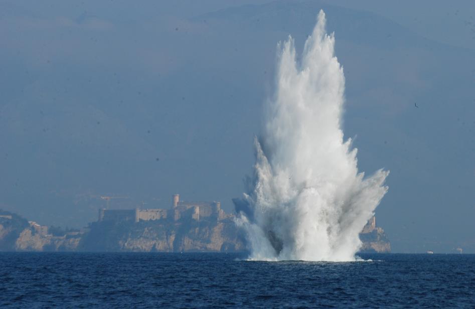 gaeta-bomba-esplosione-01