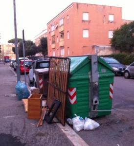 cassonetto-immondizia-latina-24ore-8