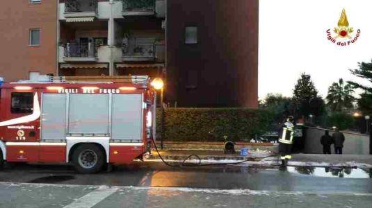 incendio-vigili-fuoco-sabaudia-01