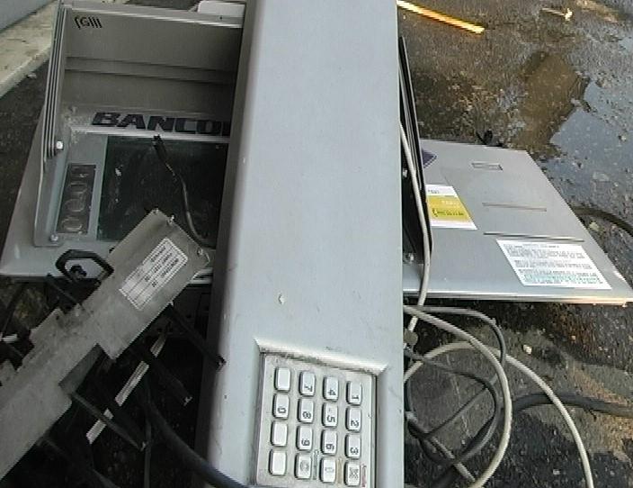bancomat-esplosione
