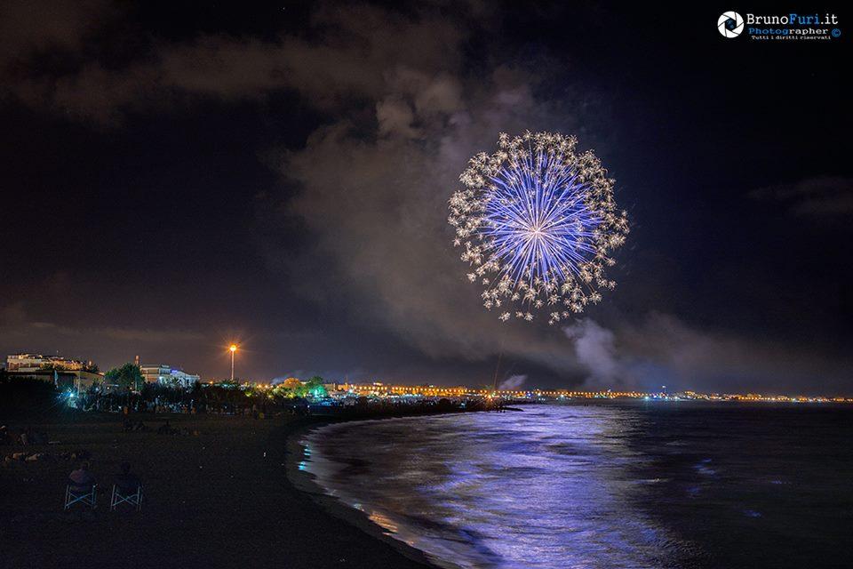 fuochi-artificio-latina-mare