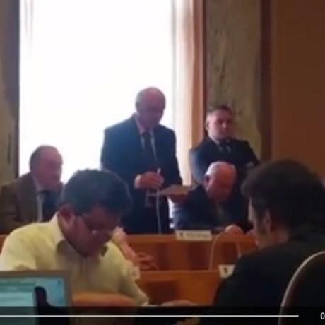video-forza-italia-lascia-maggioranza