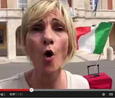emergenza-casa-latina-piazza-video