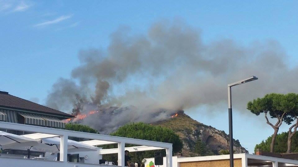 incendio-terracina-monte-giove