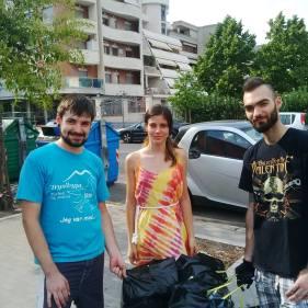 degrado-zona-pub-immondizia-latina-pulizia-volontari