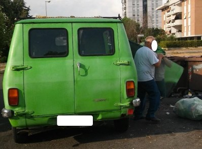 furgone-rifiuti-q4-3