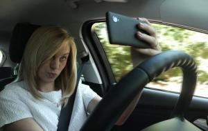 guida-cellulare-auto