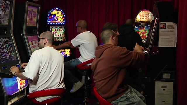sala-slot-casino-latina
