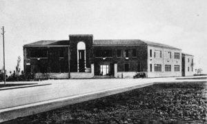 scuola-piazza-dante-littoria-foto-storica