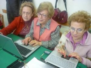 anziani-computer-pc-web-corsi