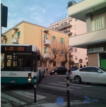 autobus-bloccato-latina-3