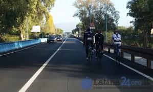 ciclisti-via-del-lido-latina-pista-ciclabile-2015