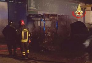 incendio-ambulanza-vigili-fuoco