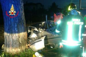 incidente-aprilia-auto-2