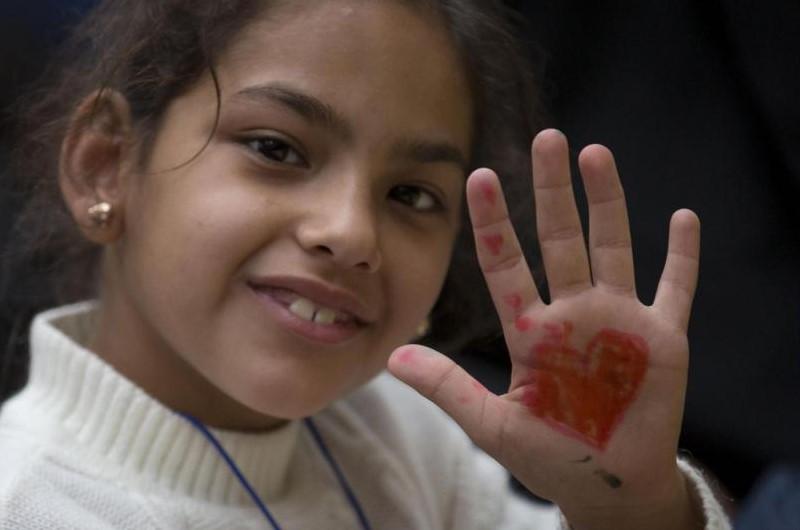 bambina-profughi-siriani-aprilia-latina-profugo