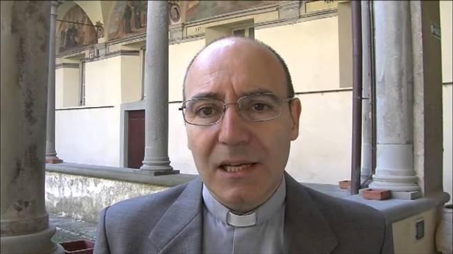 Accrocca-parroco-Latina