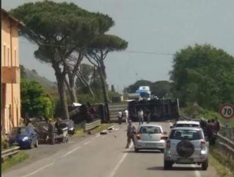 camion-ribaltato-appia-terracina