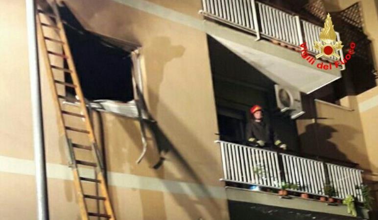 incendio-appartamento-vigili-fuoco