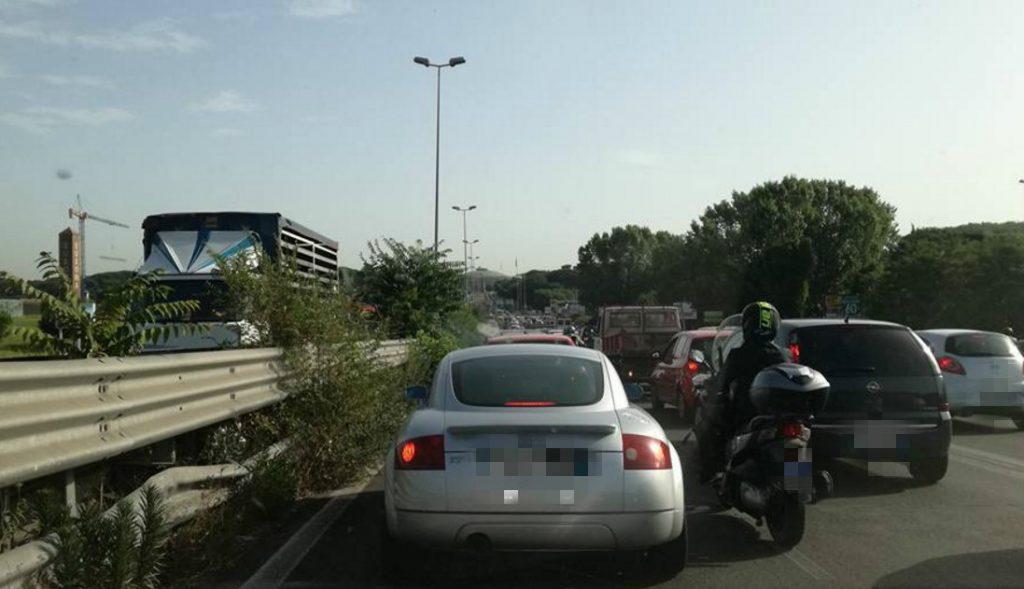 traffico-pontina-eur-latina-roma-auto