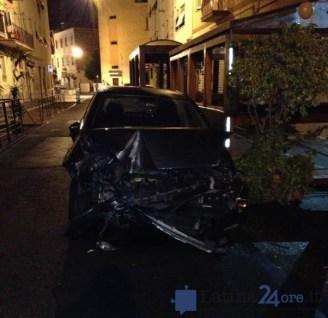 incidente-carambola-via-dei-pub-neghelli-latina-3