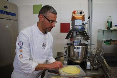 Il maestro pasticcere Maurizio Scarascia