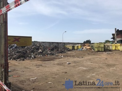 incendio-ecox-pomezia-latina24ore-1