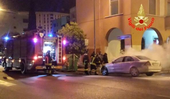 incendio-auto-latina