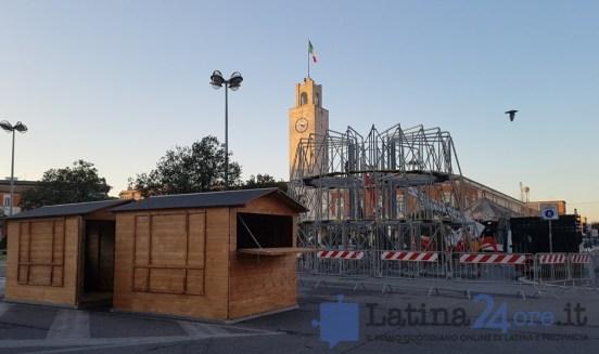 latina-albero-natale-piazza-popolo-2017
