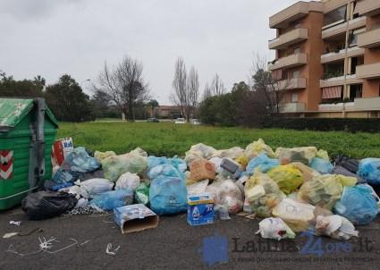rifiuti-latina-strada-morbella
