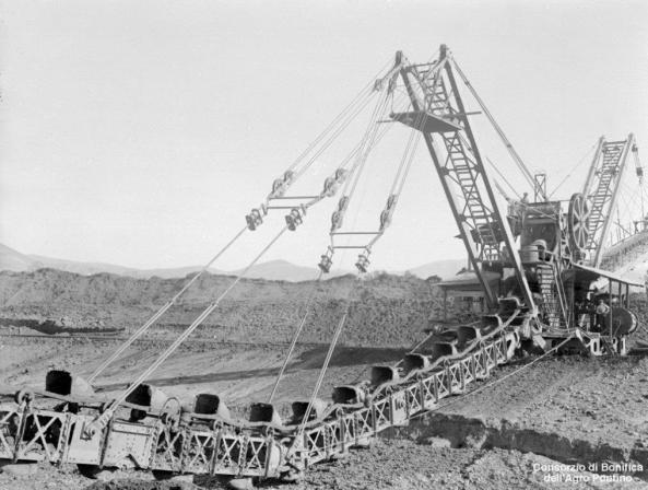 Escavatore-scavo-Canale-Acque-Alte-5.12.1929
