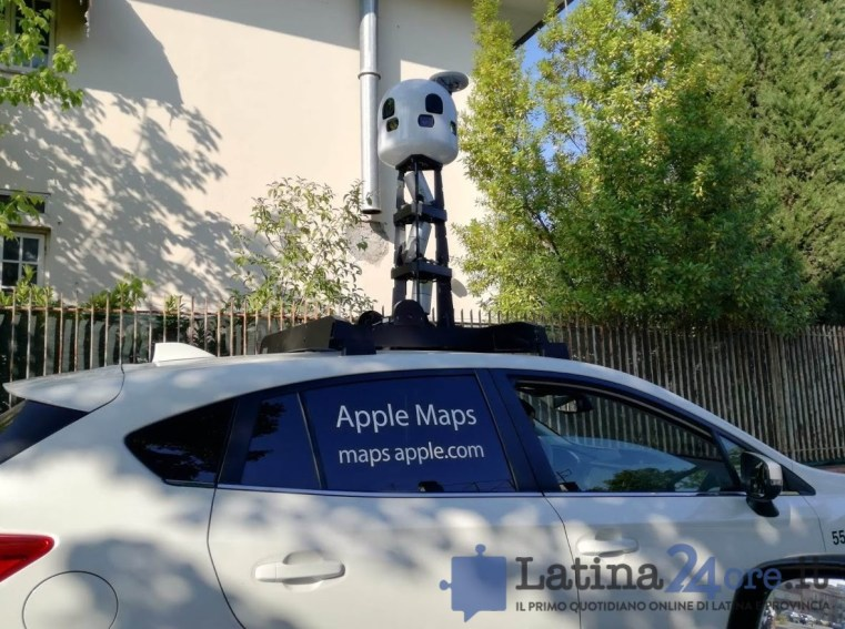 apple-maps-car-latina