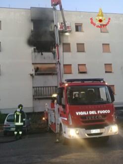 incendio-palazzo-cisterna-3