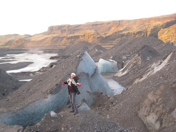 Couchsurfing Iceland, melting glacier