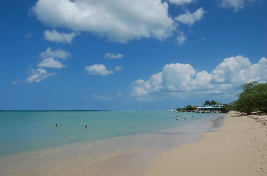 Cabo Rojo beaches, El Combate