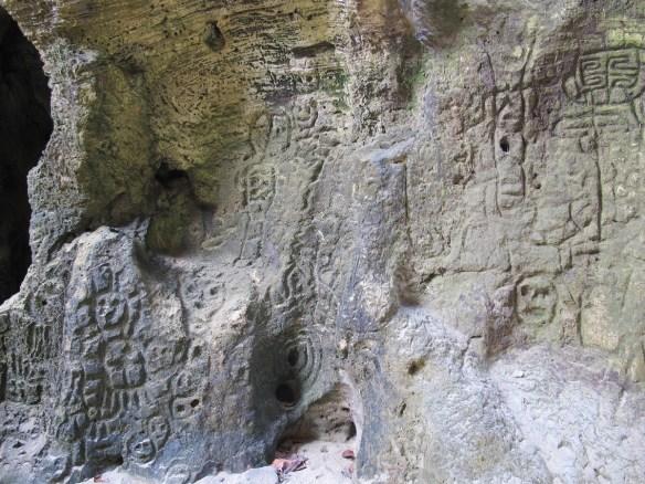 photos Cueva del Indio Arecibo petroglyphs
