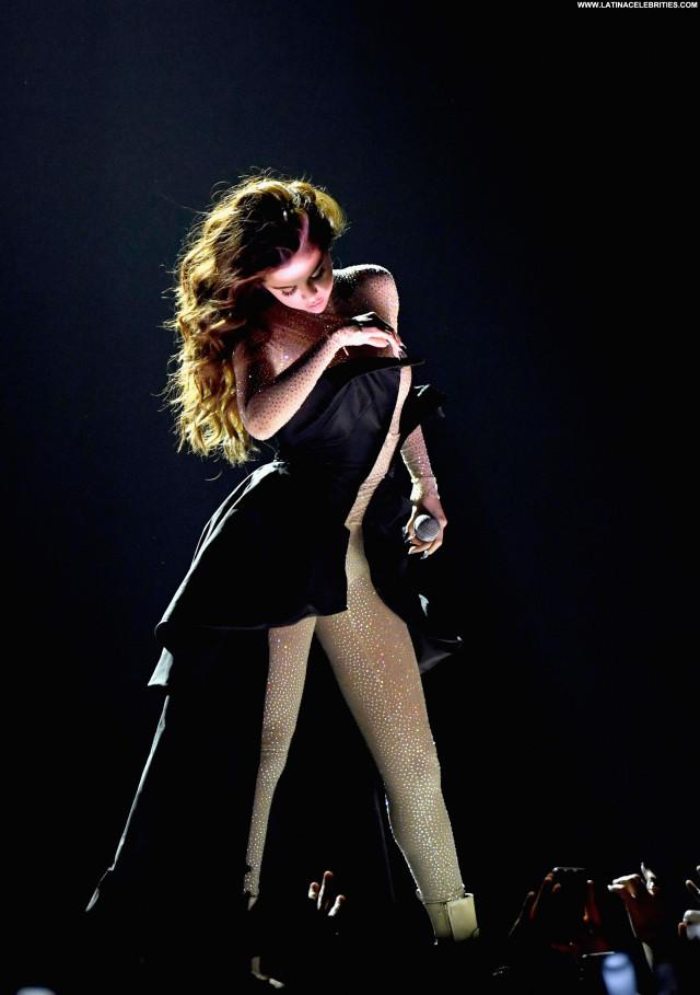 Selena Gomez Topless Babe Beautiful American Actress Posing Hot Sexy