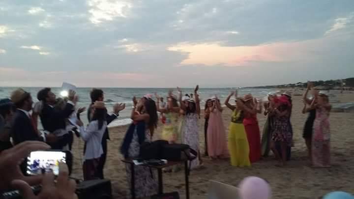 Matrimonio Spiaggia Sabaudia : Dune di sabaudia tre sanzioni per un matrimonio vip sopra le righe
