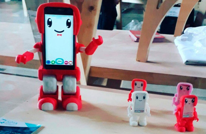 Un robot educativo hecho en Chile