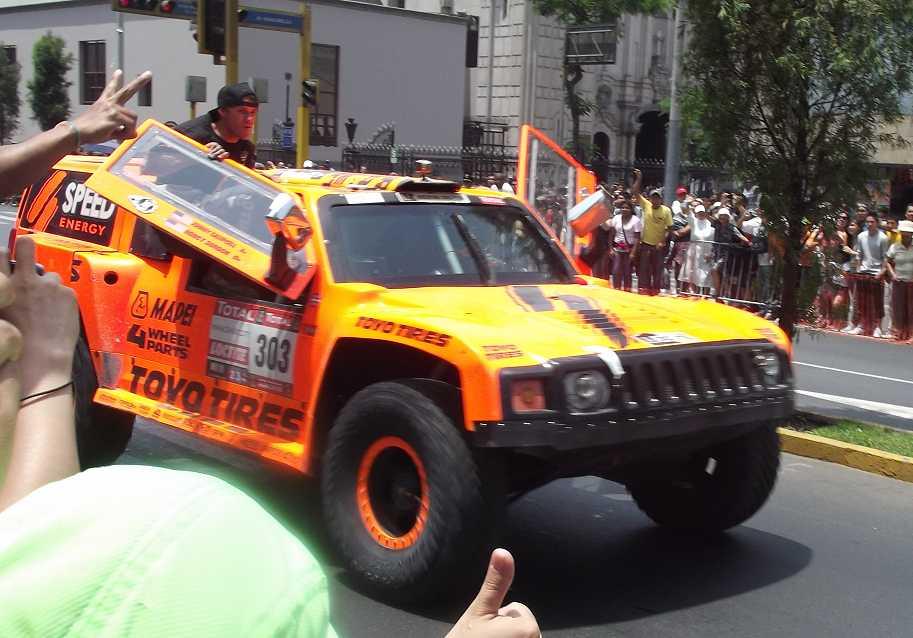 Foto vom Hummer von Robby Gordon auf der Dakar in Lima - Peru