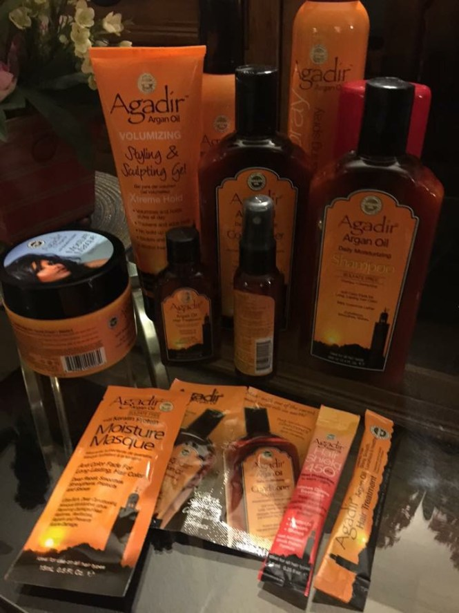 Complete kit sent by Agadir Argan Oil to test and review.