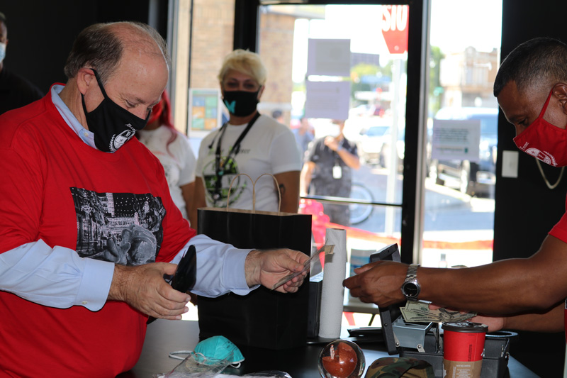 Mayor Mike Duggan buying at Detroit Forever 313