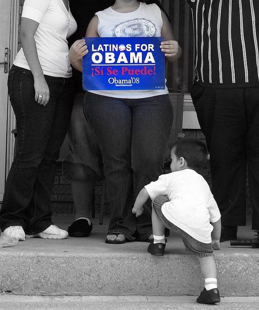 Latinos for Obama (CREDIT: Pablo Manriqez)